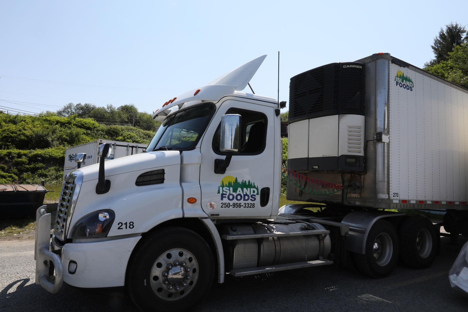 Refrigerated food transport truck - Island Foods